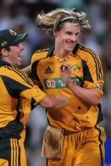 Nathan Bracken, bowling for Australia in 2009.