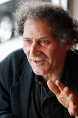 Boat people are 'only doing... what the Jews did' in the post-war era, says Jewish author Arnold Zable.