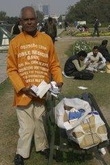Omkar Nath provides free medicine.