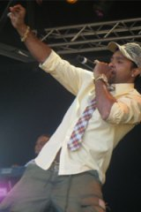 Shaggy shows off his dance moves at Raggamuffin.