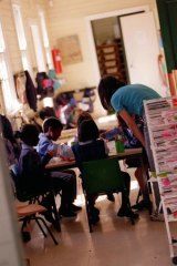 Kindergartens have said they will not be able to offer extra hours for four-year-olds without cutting other services.