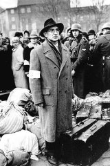 Ben Kingsley in a scene from 1993 World War II epic <i>Schindler's list</i>.