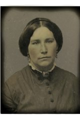 Lilli Nichols was the wife of the captain of a merchant ship that American Confederate Captain James Waddell captured and then sank, taking the Nichols and the crew prisoner until the USS Shenandoah docked in Melbourne.