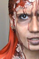 Post zombiefication make-up: Louna Marouna.