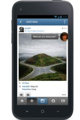 """Facebook's new Android app in """"Chat Head Preview"""" mode."""
