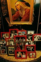 The Potters and Robert Straub feature in Prince Giustiniani's living room photographs.