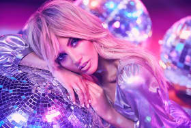 Samantha Jade is releasing an album of disco covers.