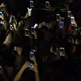 'We gotta protect what's right': Melbourne bar to ban phones at live gigs