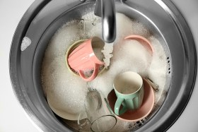 Do you really need to wash your dishes in hot water?