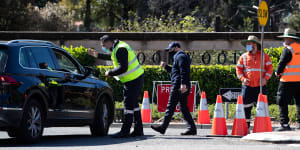 Security at Rookwood Cemetery check the number of visitors entering in August.