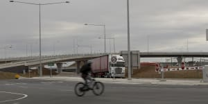 Trucks avoiding Sydney toll amid concerns of delayed solution