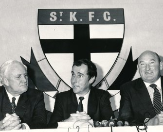 Jim Poulton (left), David Crawford and Lindsay Fox in 1984 announcing a deal with St Kilda football club's creditors.