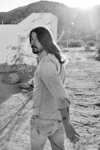 Uma vida de surpreendente boa sorte é contada nas memórias de Dave Grohl.