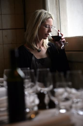 Tasmanian wine profits top the nation and here's why