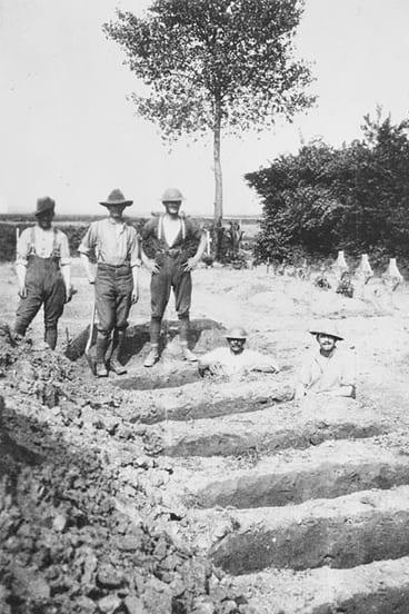 Australian gravediggers during World War One