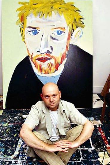 Adam Cullen with his Archibald Price-winning <i>Portrait of David Wenham</i> in 2000.