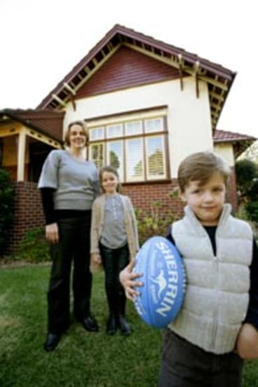 ``Italophiles'' ... Ann Howe and   children Isabella, 8, and Campbell, 5, at    home in Haberfield.