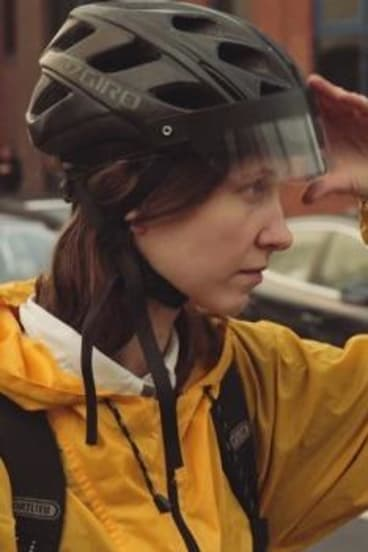 Cycling UX Future Cities Catapult's prototype headset for cyclists.