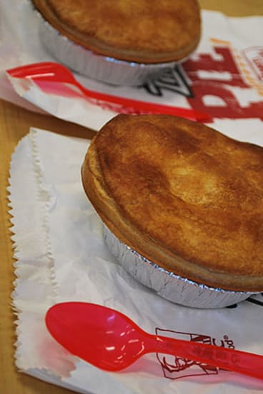 One big positive of the pie is the incredibly crisp and crunchy pastry on top. Under the foil, not so much.