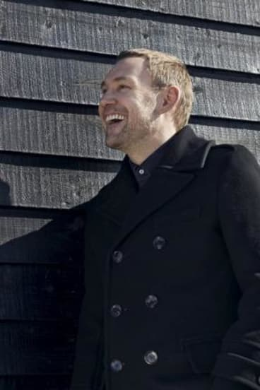 David Gray promises to tour Australia soon.