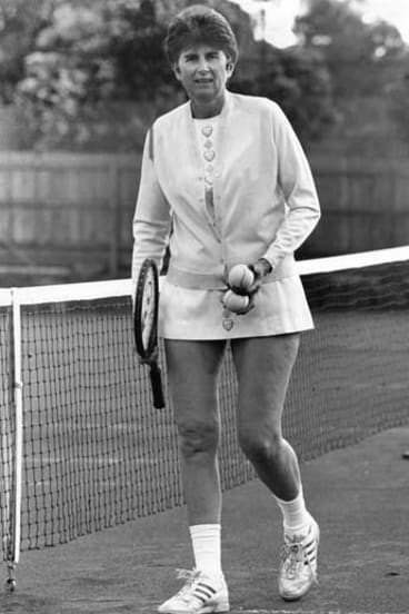 That year, in her victorious semi-final, Dalton wore a dress designed for her by Ted Tinling, which she wore again in 1990.