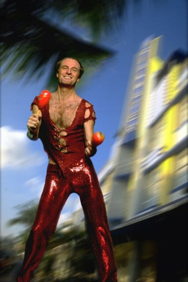 Singer-songwriter Peter Allen seems to have been the first to get the keys of our city.