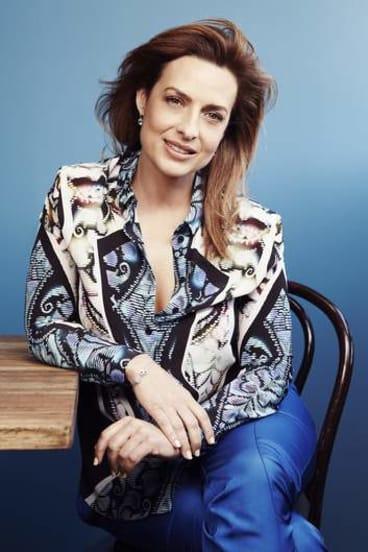 <i>Today Tonight</i> Helen Kapalos quits hosting duties to join <i>Sunday Night</i>.