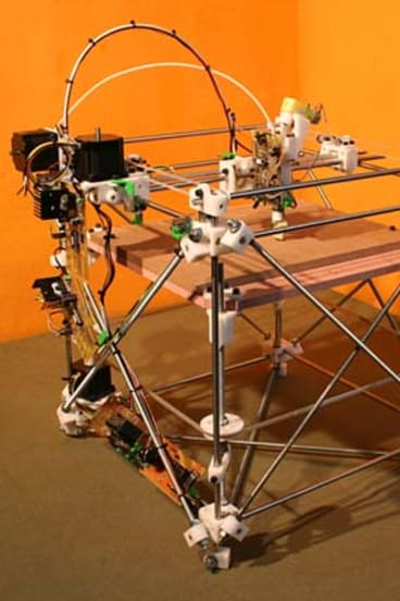 """This RepRap 1.0 """"Darwin"""" prototype can manufacture its own components."""