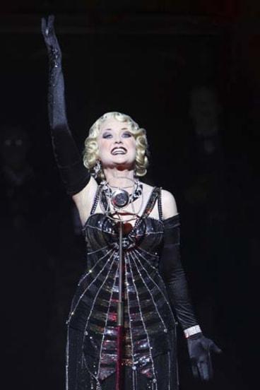 Viva la vie boheme ... Taryn Fiebig as Musetta.