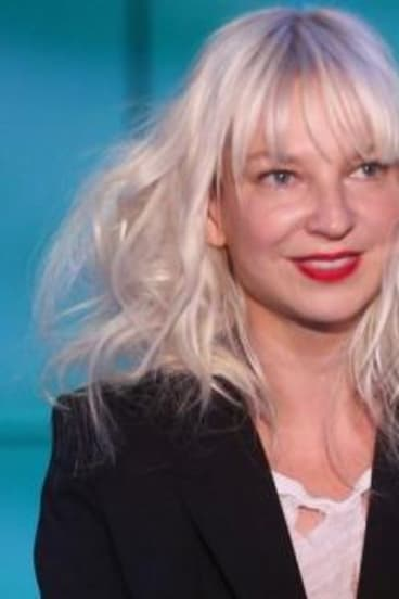 """I apologize to those who feel triggered by ?#?ElasticHeart?"": Sia."