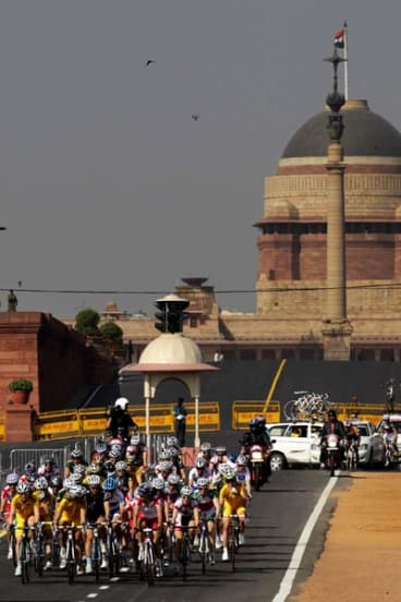 The peloton rides past the Indian Presidential Palace.