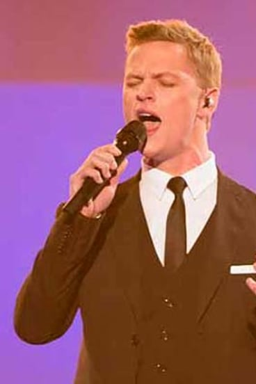 """Masterful"": Luke Kennedy sings <em>Time to Say Goodbye</em>."