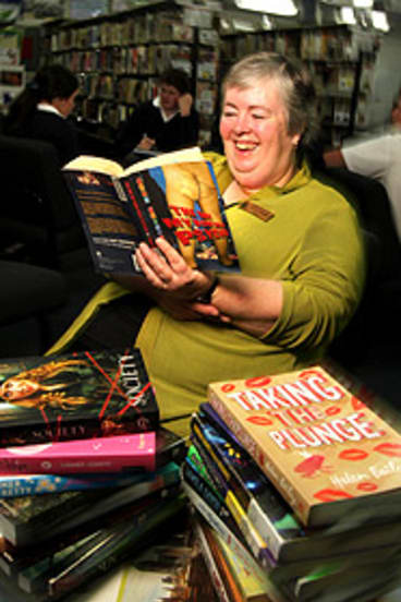 Teacher-librarian Amanda Ellingworth would like to offer students more.