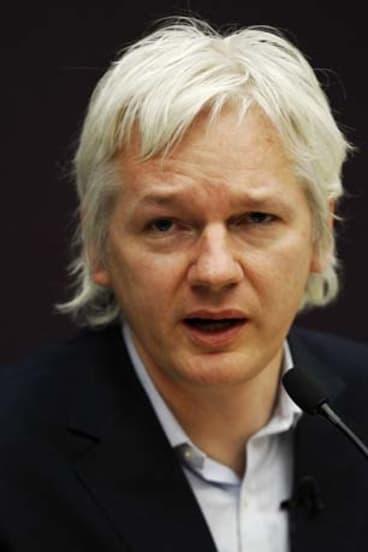 Fresh call on Assange 'espionage'