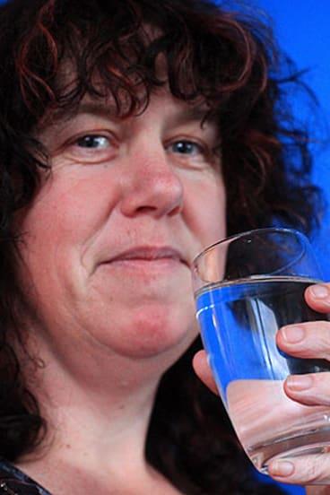 Addicted to Coke ... Pauline Wyatt.