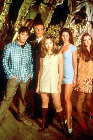 Cast of Buffy the Vampire Slayer, with Nicholas Brendon far left.