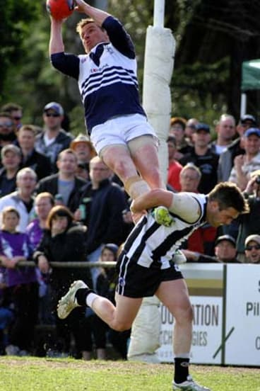 Gary Moorcroft's towering mark helped turn the tide in the Northern Football League grand final.