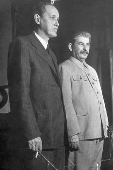 Trusted: Hokins with Joseph Stalin in 1941.
