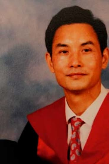 Du Zuying at his graduation from Melbourne University in 1992.