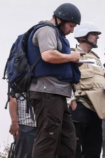 US reporter Steven Sotloff at work in Libya in 2011.