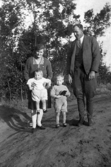 Nell and Hector Thomson at Bungaleen with sons David and Colin in 1927.