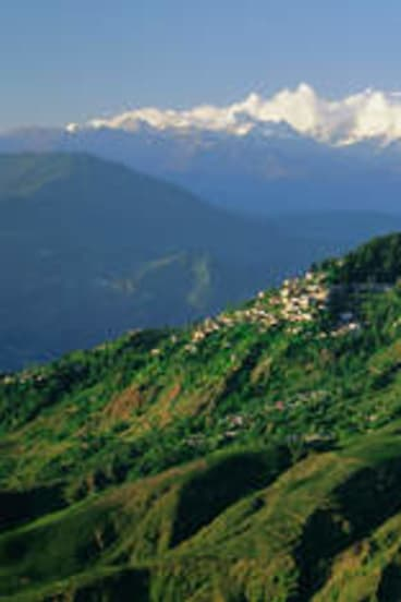 High times … looking across the hills to Kanchenjunga.