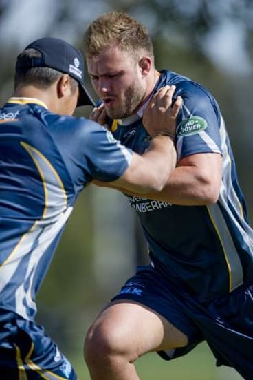 Lachlan McCaffrey during Brumbies training at the AIS.