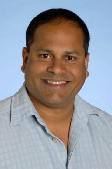 Dr Clinton Fernandes