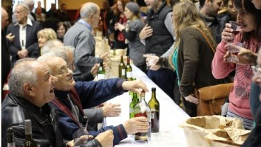 Meeting some old hands at wine making at Darebin Homemade Food and Wine Festival.