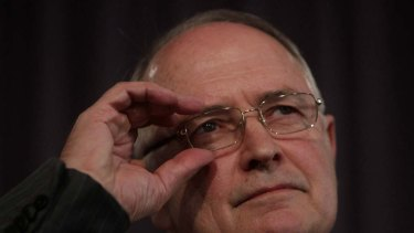 The Gillard government's chief climate change adviser, professor Ross Garnaut, who previously proposed an independent body to oversee an emissions trading scheme.