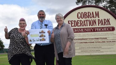 Peach plan: Cath Noonan and Liz Diamond from the Cobram Barooga Business and Tourism group with Moira Shire Mayor Gary Cleveland.