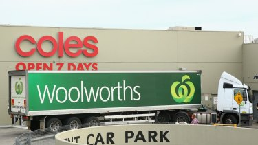Coles and Woolworths - not Amazon - would benefit most if Australia's took up online grocery shopping.