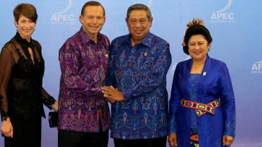 Susilo Bambang Yudhyono and his wife Ibu Ani Yudhoyono welcome Prime Minister Tony Abbott and his wife Margie to the APEC gala dinner in October this year.
