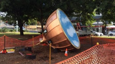'Spinning Top' has been installed near the Spring Hill Marketplace.